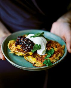 Spicy sweetcorn fritters with tomato chutney recipe for a tasty brunch Hot Cocoa Recipe, Cocoa Recipes, Dog Recipes, Vegetarian Recipes, Spicy Recipes, Brunch Recipes, Recipies, Sweetcorn Fritters Recipe, Sweetcorn Bake