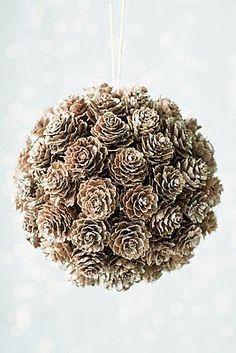 As Pinhas,são um material bem bacana para se usar no natal. Você pode usá-las na decoração ou fazer vários artesanatos com elas. Além de ...