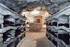 Wein Incentive Vorarlberg (c) Burgrestaurant Gebhardsberg Bregenz Restaurant, Cabin, House Styles, Statues, Home Decor, Bregenz, Destinations, Viajes, Culture