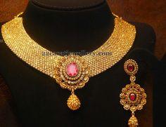 Jewellery Designs: Chakri Diamonds Fashionable Choker