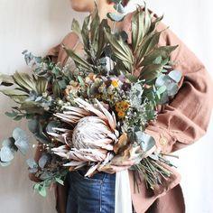 botanical bouquet Dried Flower Bouquet, Dried Flowers, Wedding Bouquets, Wedding Flowers, Cafe Display, Dried Flower Arrangements, Garden Images, Flower Designs, Christmas Wreaths