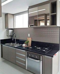 New design interior cozinha small apartments Ideas Kitchen Room Design, Modern Kitchen Cabinets, Modern Kitchen Design, Home Decor Kitchen, Interior Design Kitchen, Home Kitchens, Cuisines Design, Small Apartments, Kitchen Remodel