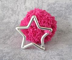 Pompon Pendant with star snap hook, pink bobble bag charm, keyring lucky star fob, five-pointed star small gift, stellar accessory nova Five Pointed Star, Lucky Star, Pet Accessories, Small Gifts, Austria, Charmed, Stars, Pendant, Creative
