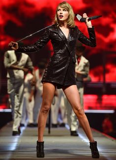 Taylor Swift New Album, Taylor Swift Legs, Taylor Swift Concert, Taylor Swift Outfits, Taylor Swift Pictures, Taylor Alison Swift, Taylor Swift Events, Live Taylor, Red Taylor