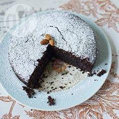 Bolo de chocolate italiano sem farinha @ allrecipes.com.br - Bolo sem trigo, com amêndoas, conhecido como Torta Caprese, típico da região da ilha de Capri. Leva chocolate e amêndoas. Uma delícia.