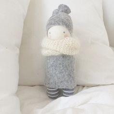 """Endlich ist mal wieder eine kleine muc muc """"geboren"""".... #mucmuc#doll#puppe#diy#handmade#love#baby#fabric#wool#knitting#white#grey#mohair#ichmagsiesosehr#freude#glücksbringer#trostspender"""