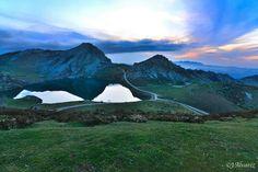 Lago Enol. Picos de Europa. Cangas de Onis. Asturias.