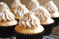 Oatmeal cupcakes with cinnamon icing