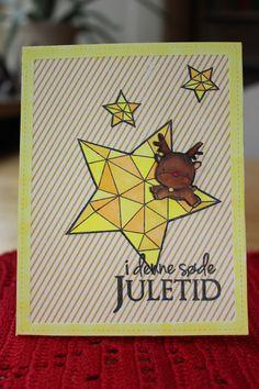 Julekort lavet med mamaelephant stamps og krumspring stamps. Yellow chrismascard