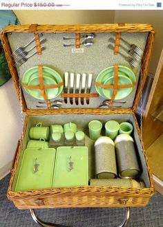 SALE Spring Picnic Sale Vintage 1940's by EastOregonVintage,  I have been looking for one of these for 3 years!!!: