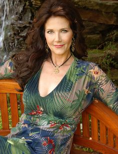 Wonder Woman of the Week: Lynda Carter (let's face it, she had to be on here… Linda Carter, Beautiful Old Woman, Gorgeous Women, Beautiful People, Beautiful Celebrities, Beautiful Actresses, Actrices Hollywood, Wonder Woman, Ageless Beauty