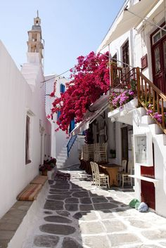 Mykonos daydreaming <3 Check out on YouQueen.com which Greek islands you must visit