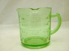 KELLOGG'S GREEN DEPRESSION GLASS 3-SPOUT MEASURING CUP