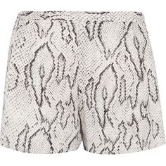 Haute Hippie Printed silk shorts (1.707.170 IDR) ❤ liked on Polyvore featuring shorts, bottoms, white, loose shorts, white silk shorts, lightweight shorts, haute hippie shorts and haute hippie