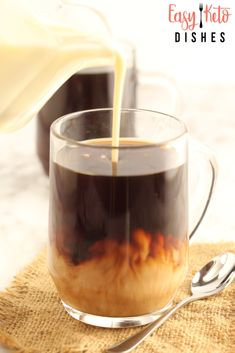 Avoid loads of sugar and carageenan by making your own homemade coffee creamer! It's sugar free keto friendly AND with a dairy free option! Dairy Free Coffee Creamer, Vanilla Coffee Creamer, French Vanilla Creamer, Homemade Coffee Creamer, Coffee Creamer Recipe, Coffee Recipes, My Recipes, Healthy Recipes, Magic Recipe