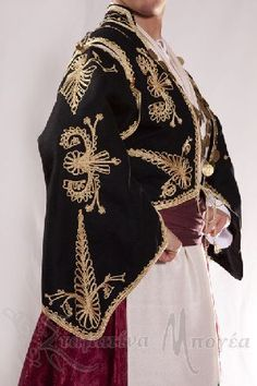 Greek Traditional Dress, Traditional Outfits, Gypsy Costume, Folk Costume, Greek Costumes, Greek Clothing, Clothes Crafts, Embroidery Dress, Ethnic Fashion