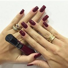 ✿⊱❥ Minha unha da semana com a cor do inverno, marsala. Love Nails, How To Do Nails, Pretty Nails, My Nails, Ongles Forts, Acryl Nails, Essie, Nail Ring, Colorful Nail Designs