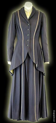 Mary Poppins (1964) costumes wardrobe Julie Andrews Mary Poppins Costume