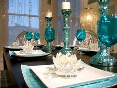 Turquoise dining table decor......so elegant but wouldn't last five minutes with Eli around!!!