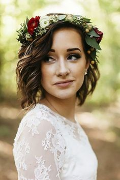 short wedding hairstyles with flower crown