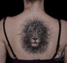 Alysa Queen Fluffy-Lion-Back-Tattoo Lion Back Tattoo, Cool Back Tattoos, Lion Head Tattoos, Upper Back Tattoos, Back Tattoo Women, Music Tattoos, Feather Tattoos, Arrow Tattoos, Trendy Tattoos