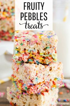 ) – I Heart Naptime Fruity Pebbles Treats – A fantastic combination between rice krispie treats, cake batter and fruity pebbles cereal. The perfect no-bake sweet treat that's destined to be your new favorite dessert! Rice Krispie Cakes, Krispie Treats, Rice Krispies, Fruity Pebbles Treats, Fruity Pebbles Cereal, Rice Krispy Treats Recipe, Rice Crispy Treats, Rice Crispy Cake, Easy Desserts