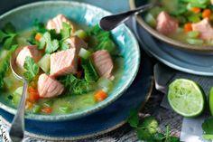 Wirsing-Kartoffel-Suppe mit Lachs