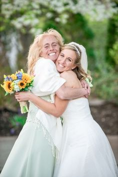 Proud mother on her daughter's wedding day / @SomethingBlueNJ