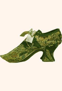 "Woman's shoe - cream silk damask; wooden heel type ""Louis"", about 1740-1750"