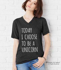 Unisex Triblend t-shirt.  Questa è una camicia unisex. Tagliare più simile a una camicia mens. Ladies preferire ridimensionamento verso il