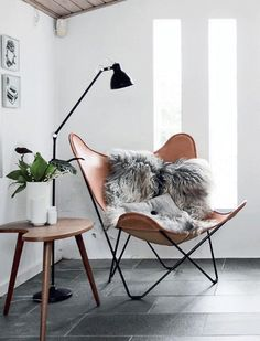 Here we showcase a a collection of perfectly minimal interior design examples for you to use as inspiration.Check out the previous post in the series: 30 Examples Of Minimal Interior Design Scandinavian Interior Design, Scandinavian Home, Nordic Design, Stylish Interior, Scandinavian Furniture, Simple Interior, Interior Design Inspiration, Home Decor Inspiration, Interior Ideas