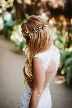 Lace Olvi wedding dress with a jaw-dropping cut out back detail | fabmood.com
