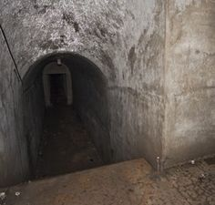 My descent into the Underworld: http://memekalifelove.wordpress.com/2014/02/03/my-descent-into-the-underworld/