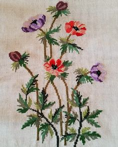 Cross Stitch Thread, Cross Stitch Flowers, Cross Stitch Embroidery, Embroidery Patterns, Hand Embroidery, Modern Cross Stitch Patterns, Cross Stitch Designs, Saree Painting Designs, Small Flowers