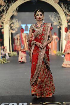 Absolutely gorgeous bridal sari!