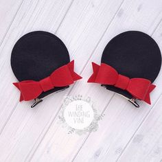 Felt Minnie Mouse Top-of-Head Ear Clips with Your Choice of Bow Color - Körper Zeichnen Diy Disney Ears, Disney Bows, Disney Diy, Disney Crafts, Minnie Mouse Bow, Mickey Ears, Mouse Ears, Making Hair Bows, Diy Hair Bows