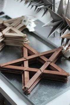 70 Christmas Star Craft - Great And Cheerful DIY Ornaments Wooden Christmas Ornaments, Easy Christmas Crafts, Noel Christmas, Rustic Christmas, Christmas Projects, Simple Christmas, Handmade Christmas, Ornaments Ideas, Stick Christmas Tree