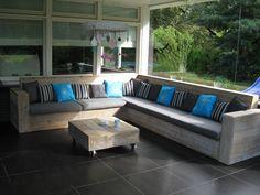 Lounge outside steigerhouten meubels made by Geert Bouten Interieur op maat