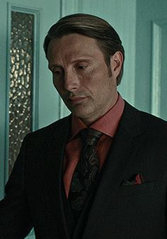 Mads & Hannibal — loveholic198:   15/∞ - black suit + salmon shirt
