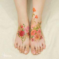 Korean Tattoo Artist Creates Flower Tattoos That Look Like Watercolor Paintings On Your Skin