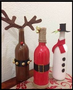 Celebration/ Party Decor Ideas , 17 Homemade Art Ideas for Home Christmas Decoration : Unique Corner Decor Idea For Christmas Party Wine Craft, Wine Bottle Crafts, Jar Crafts, Homemade Christmas Decorations, Diy Christmas Gifts, Holiday Crafts, Christmas Stuff, Holiday Decor, Old Wine Bottles