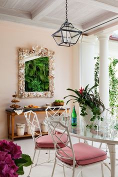 mimi mcmakin and ashley sharpe on decorating a whimsical palm