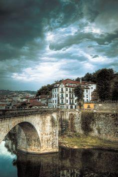 Amarante - Fique a conhecer os tesouros do Douro Litoral em: www.asenhoradomonte.com RePinned by : www.powercouplelife.com