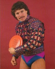 Funny Glamour Shots | 19 Terrifically Tacky Glamour Shots That Shouldn't Exist