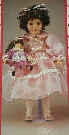 """New """"Victoria Lynne"""" Collector Porcelain Doll Hol Xmas Around The Word 