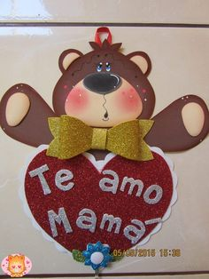 osito para mamá                                                                                                                                                                                 Más Candy Bouquet, Mom Day, Mothers Day Crafts, Paper Cutting, Diy And Crafts, Baby Shower, Valentines, Scrapbook, Christmas Ornaments