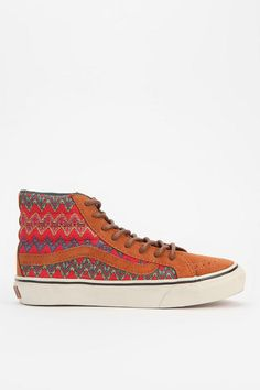 Vans Zigzag High-Top Sneaker / Get on my feet! Sock Shoes, Shoe Boots, Vans Off The Wall, Dream Shoes, Pretty Shoes, Vans Sk8, Zig Zag, Urban Outfitters, High Top Sneakers
