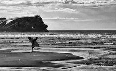 Surf.... #salinas #asturias #spring #primavera #places#lugares #people#gente #monocromo #igersmadrid_bn #HuaweiP20Pro @huaweimobileesp #surf #beach #mar