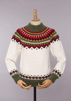 eskimogenser – Google Søk Knitting Patterns Free, Free Pattern, Fair Isle Knitting, Fair Isles, Sweater Design, Baby Sweaters, Hobbies And Crafts, Christmas Sweaters, Knit Crochet