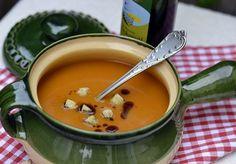 Tök (jó) krémleves pirított kenyérkockával | Retikül és fűszerdoboz Soups, Seasons, Fall, Ethnic Recipes, Autumn, Fall Season, Seasons Of The Year, Soup